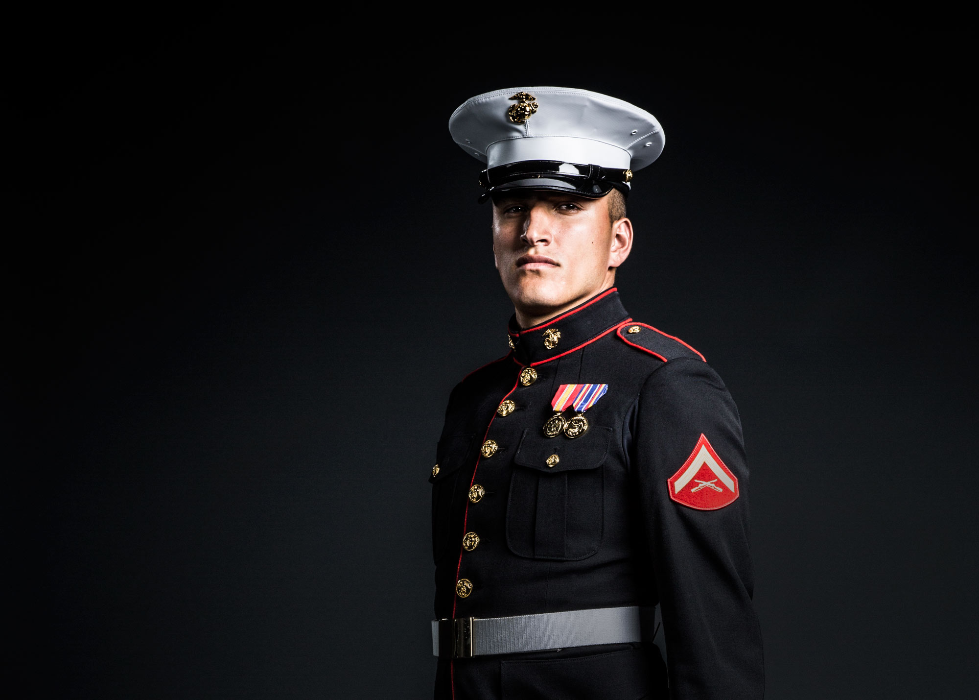 8th_I_Portraits_DressBlues_LCPL_Serrano_HA_Male_00120